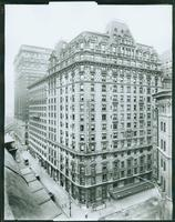The Annex Hotel, Broadway looking north from West 32nd Street, New York City, 1918. (Roege 9361)