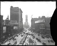 Longacre Square (Times Square), Broadway and Seventh Avenue, looking south from 47th Street, New York City, 1923.