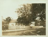 Gravesend: C. Lake House, built 1820, east side of Van Sicklen Street at [between?]  Village Road South and Neck Road, adjoining the town cemetery; view from Van Sicklen Street, 1922. Demolished by 1937.