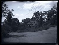 Bronx: [Van Cortlandt Hill [?] House, west of Broadway at the Albany Post Road (Newton Avenue) around 245th Street, Mosholu, 1924.]