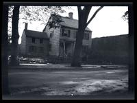 Flushing: unidentified wooden house, undated.