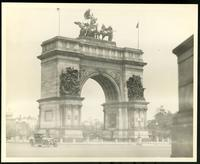 New York City: memorial arch, Grand Army Plaza outside Prospect Park, Brooklyn, undated.