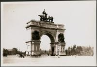 New York City: memorial arch at Grand Army Plaza, Prospect Park, Brooklyn, undated.