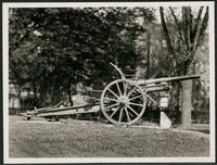 New York City: unidentified Queens war monument with mobile artillery piece, undated.