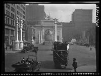 New York City: temporary memorial arch on Fifth Avenue near Madison Square Park for General Pershing and servicemen returning from WWI, 1918.