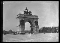 New York City: memorial arch at Grand Army Plaza, Prospect Park, Brooklyn , undated.