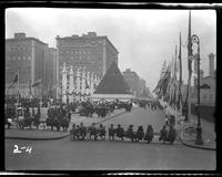 New York City: [temporary structures erected along Park Avenue north of Grand Central Terminal], undated [ca. 1918].