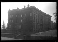 Brooklyn: [unidentified mansion beside streetcar pedestrian overpass], undated.