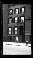 Manhattan / Brooklyn: [unidentified shingled townhouse sandwiched between two larger brick buildings, undated.]