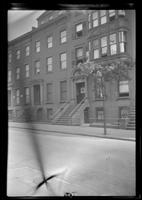 Manhattan / Brooklyn: [unidentified brownstones, undated.]