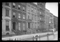 [Brooklyn: unidentified townhouse, undated.]