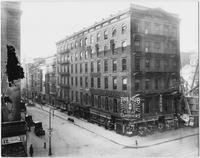 Manhattan: the Hub clothiers, corner of Broadway and Barclay Street, undated.