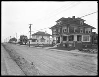 Houses along Oxford Avenue looking west to Jamaica Bay, Belle Harbor, Queens, July 11, 1915.  Photographed for Joseph P. Day.