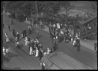 High angle shot of Van Cortlandt Park crowds at 242nd Street subway station, Bronx, June 7, 1914. Photographed for Joseph P. Day.