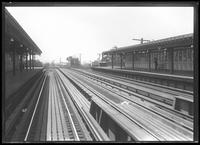 170th Street elevated subway station, Bronx, undated [ca. August 1918]. Probably photographed for the Interborough Rapid Transit Company.