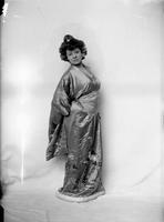 Bianca Froelich, dancer, undated [circa 1900-1910].