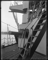 Gun on the USS Olympia, Dewey Naval Parade, Hudson River, September 29, 1899.