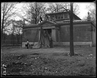 Aquatic Birds House under construction, New York Zoological Gardens [the Bronx Zoo], Bronx, N.Y., May 3, 1899.
