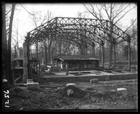 Aquatic Birds House under construction, showing steel frame, New York Zoological Gardens [the Bronx Zoo], Bronx, N.Y., 1899.