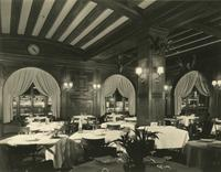 Hotel Astor restaurant dining room, Broadway and 45th Street, New York City.