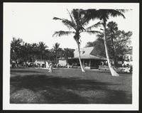 Palm Beach Hotel, guests practicing golf, undated [circa 1900-1910].