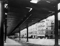 Sixth Avenue El, Manhattan, c. 1888. View south from 34th Street.